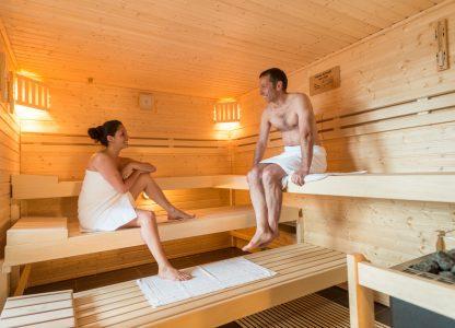 Hotelgäste in der Sauna