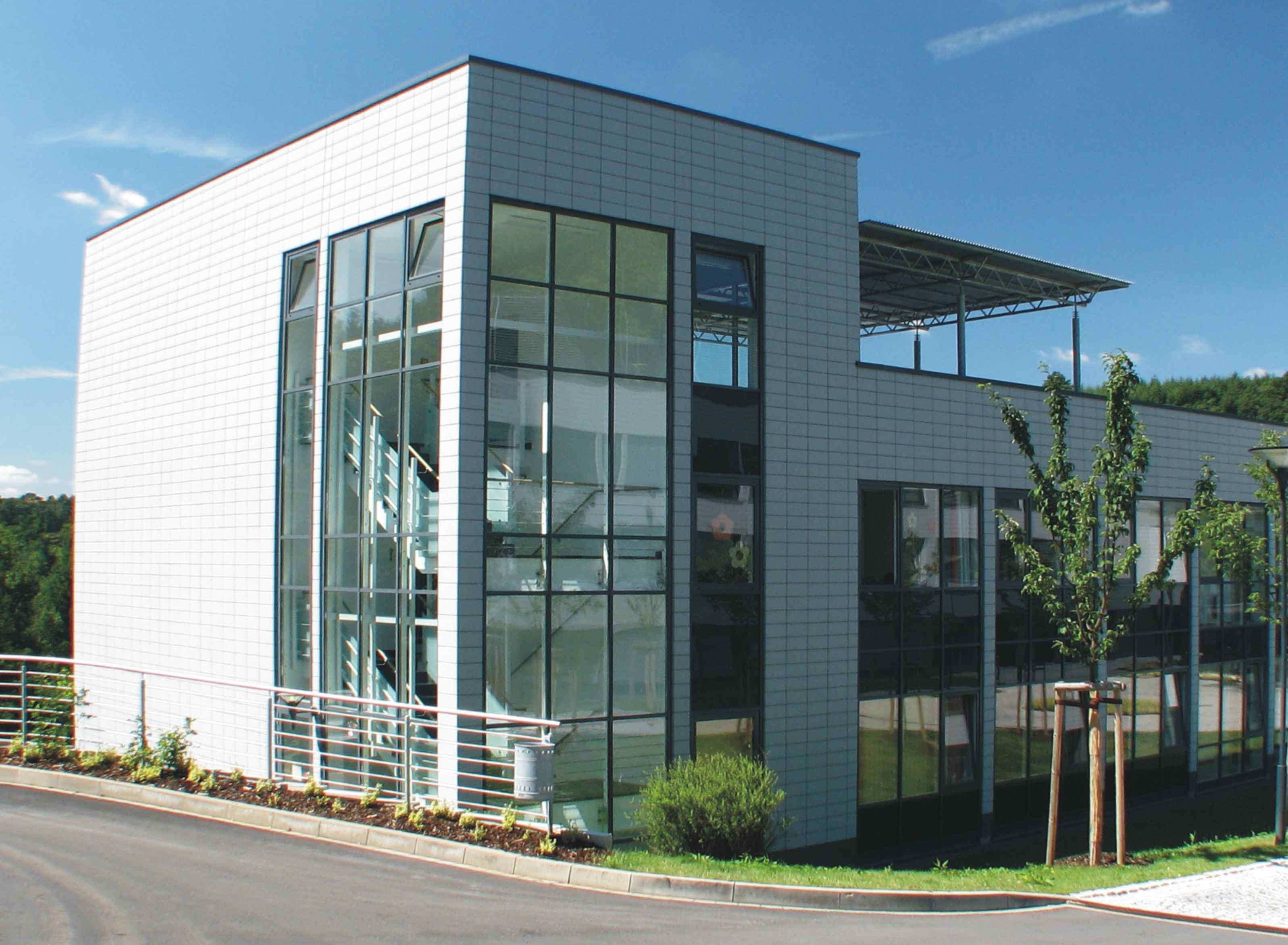 Eifelklinik Manderscheid Gebäude « Tourismus-Netzwerk