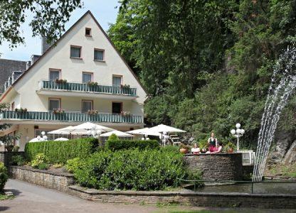 Hotel mit Außenterrasse