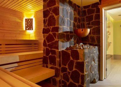 NaturPurHotel - Stein-Sauna lädt zum Träumen ein