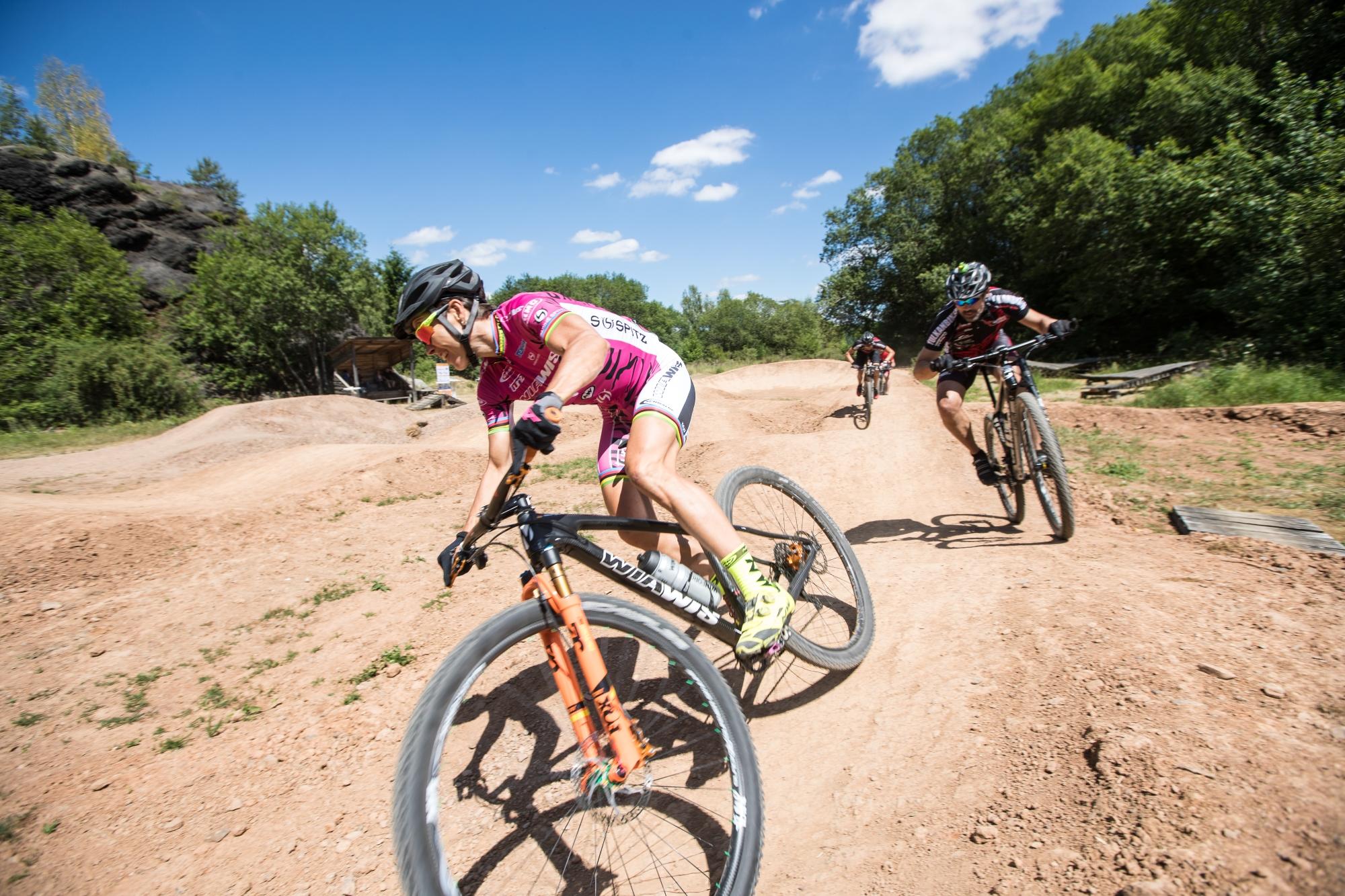Mountainbiker auf der Piste