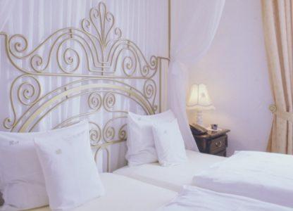 Schloß-Hotel Kurfürstliches Amtshaus - Himmlische Träume in den Zimmern
